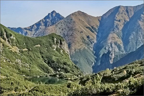 Široká (vlevo) z Ťažkej doliny