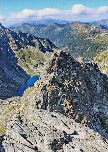 Zadni Mnich (Druhý Mních), pohled k severozápadu. Temnosmrečinská dolina, Temnosmrečianske plesá