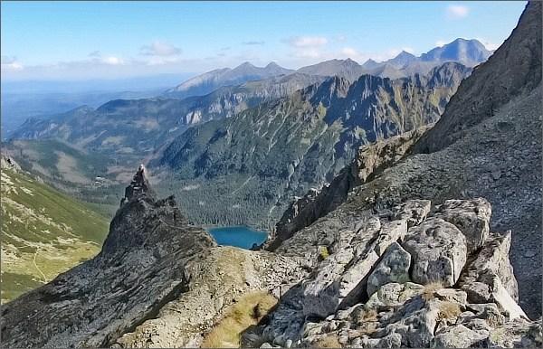 Zadni Mnich / Druhý Mních, pohled k východu. Mnich, Dolina Rybiego Potoku, Morskie Oko