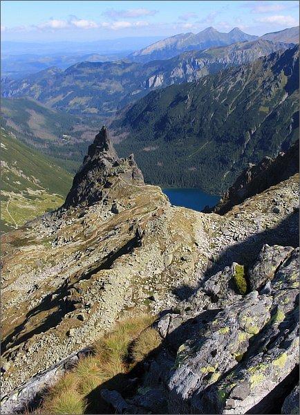 Zadni Mnich / Druhý Mních, pohled k východu. Mnich, Dolina Rybiego Potoku, Morskie Oko, Belianske Tatry