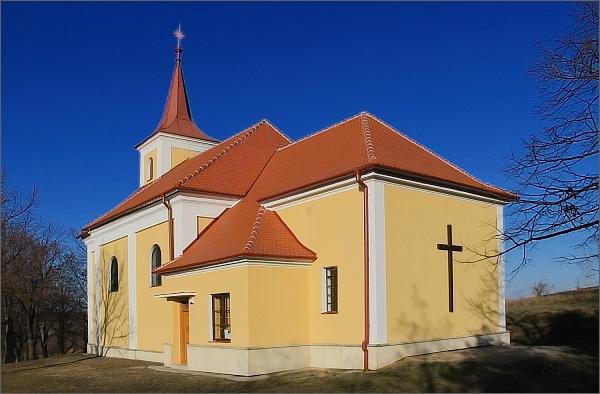 Lutršték. Kostel Panny Marie Bolestné