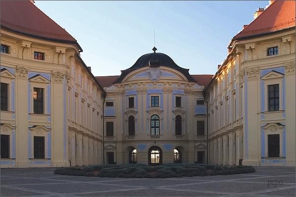 Slavkov u Brna, zámek