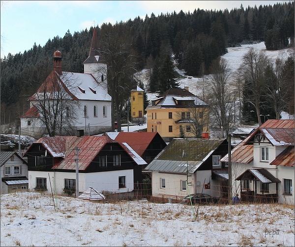 Nové Hamry. Kostel sv. Jana Nepomuckého