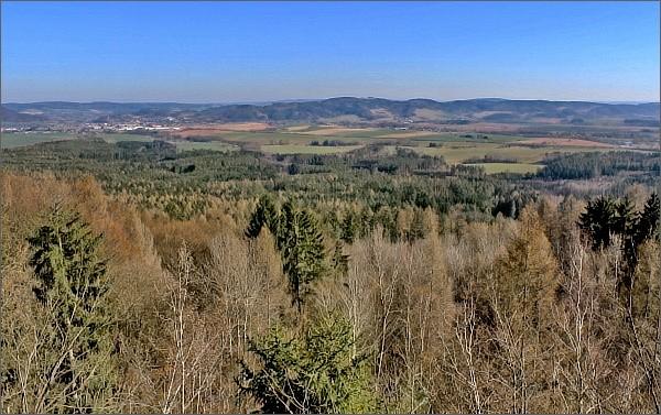 Vyhlídka Nad doly. Pohled k Moravské Třebové a Zábřežské vrchovině