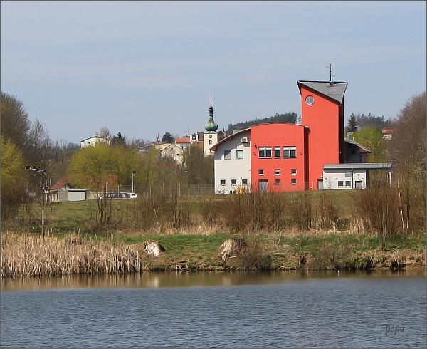 Konice, dvě věže (kostel Narození Panny Marie a hasičská zbrojnice)