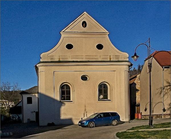 Lomnice, synagoga