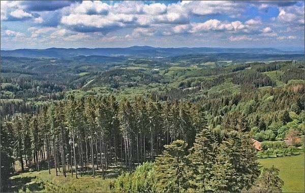 Vizovická vrchovina a Komonec z Vartovny