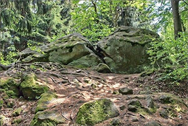 Zámčisko, skála na vrcholu Klášťova