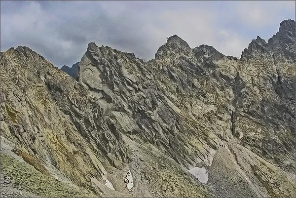 Východný Železný štít a Popradský Ľadový štít ze Strážneho sedla