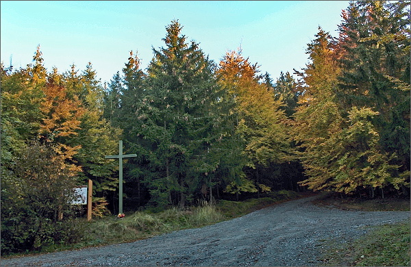 Křižovatka lesních cest nad Šebetovem