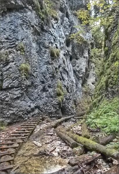 Malý Kyseľ . Nad Malým vodopádom