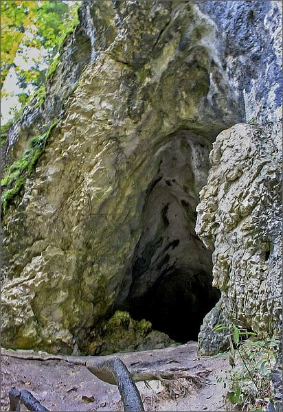 Kláštorská roklina. Biela jaskyňa
