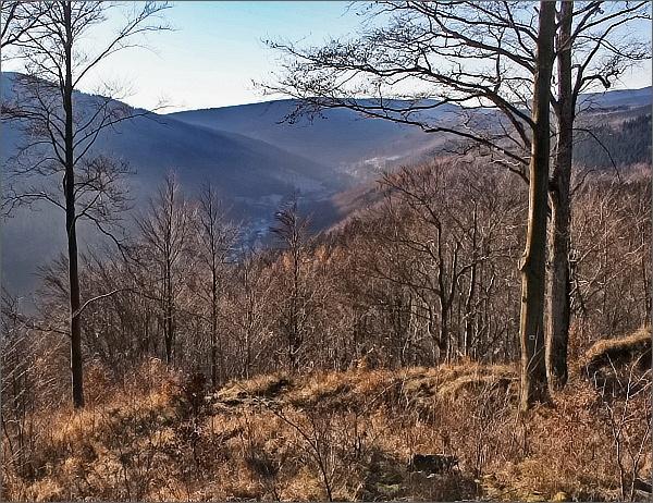 Toto je pohled ze Zámecké hory k Ludvíkovu