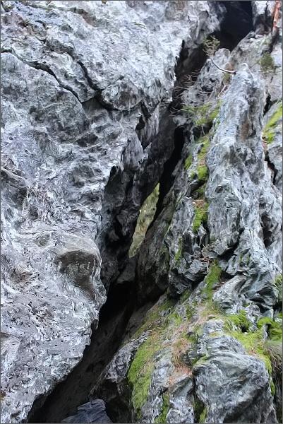 Skalní puklina na Rolandově kameni