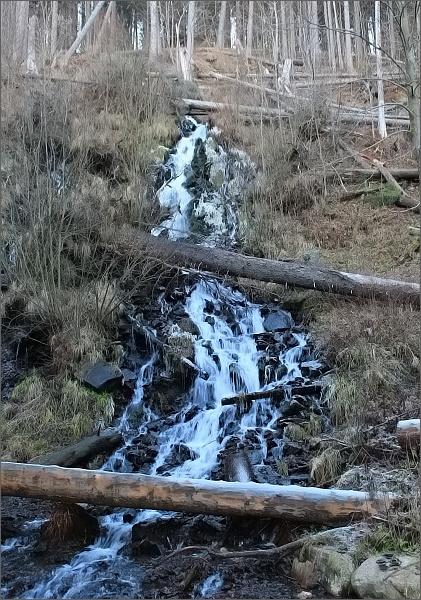 Umělý vodopád v Karlově Studánce