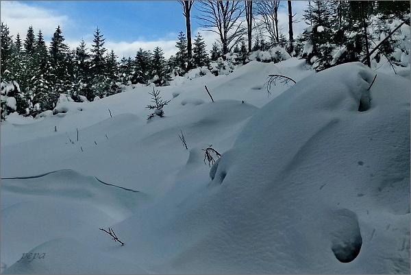 Sněhu přibývá