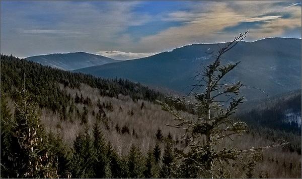 Vysoká hora a Žárový vrch od Kamzičí skály