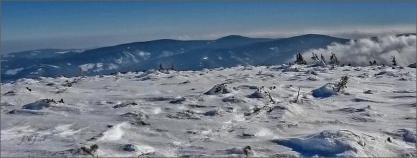 ...a ještě jednou Medvědská hornatina (zleva Orlík, Medvědí vrch a Jelení loučky)