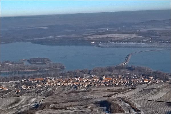 Dolní Věstonice z Děvína