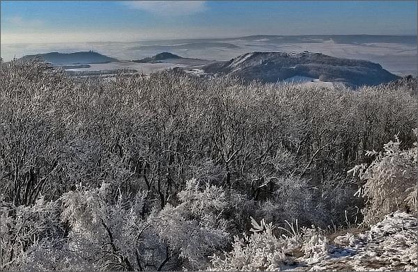 Stolová hora, Turold a Svatý kopeček z Děvína