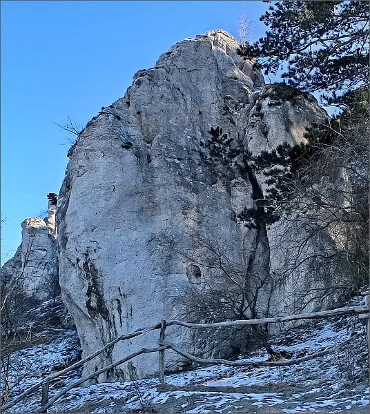 Skalní věž Vzývající