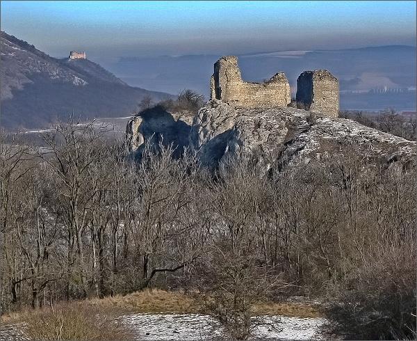 Sirotčí hrádek a Děvičky ze Stolové hory