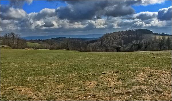 Nad Hlubokým u Kunštátu, pohled k Drahanské vrchovině