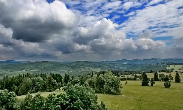 Pohled z rozhledny Nová Ves k severovýchodu