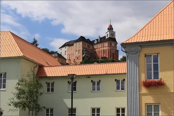 Javorník. Náměstí a zámek Jánský Vrch