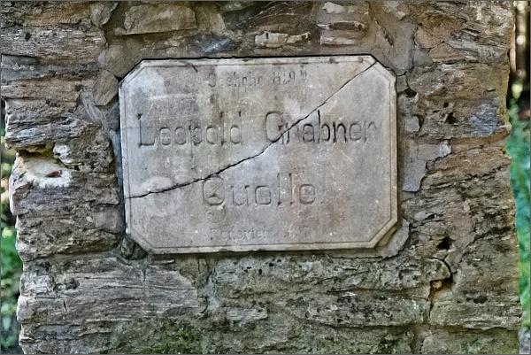 Pamětní deska na Grabnerově prameni