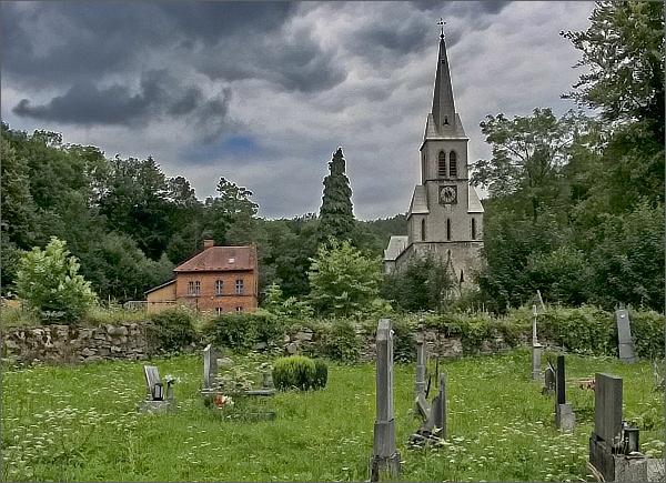 Travná, kostel Neposkvrněného početí Panny Marie a fara